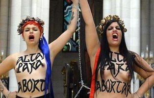 Revocada la absolución de las activistas de Femen que se encadenaron al altar de La Almudena