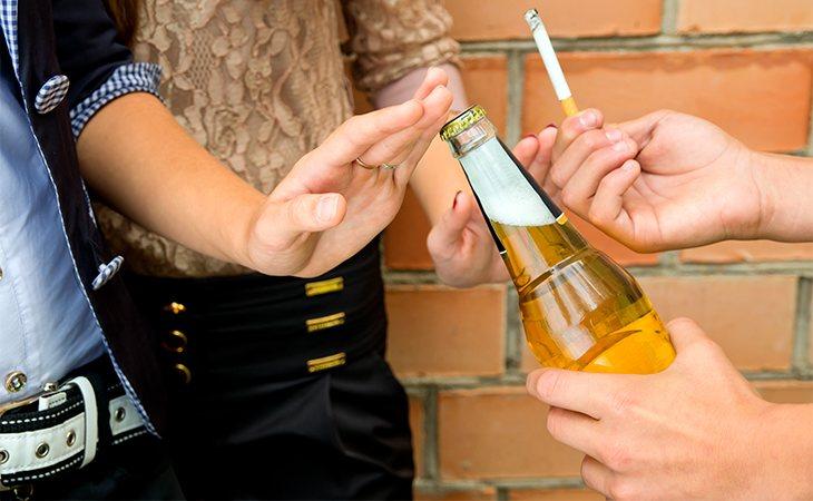 Los adolescentes han reducido su consumo de drogas y alcohol