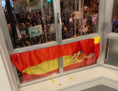 VOX denuncia un ataque feminista en su sede de Murcia y se descubre que es un montaje