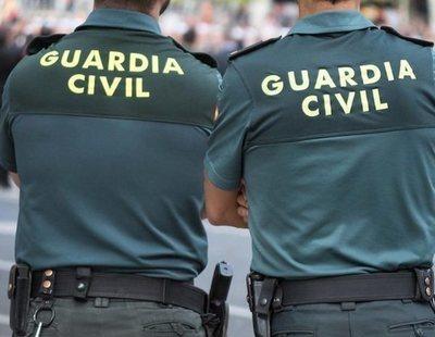 Absueltos los guardias civiles acusados de poner el 'Cara al Sol' para obligar a gente a tragar balas