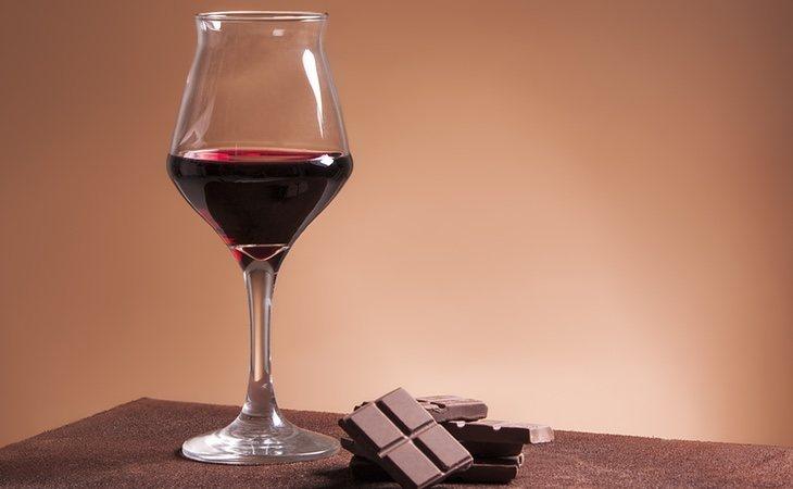 ¿Vino con chocolate? Pues no parece ninguna locura