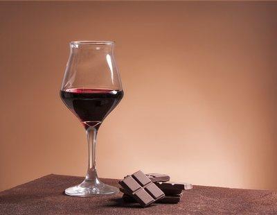 El chocolate y el vino reducen las arrugas, según un estudio científico