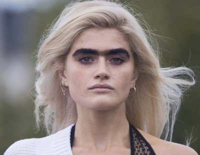 La modelo 'uniceja' Sophia Hadjipanteli, amenazada de muerte por su aspecto