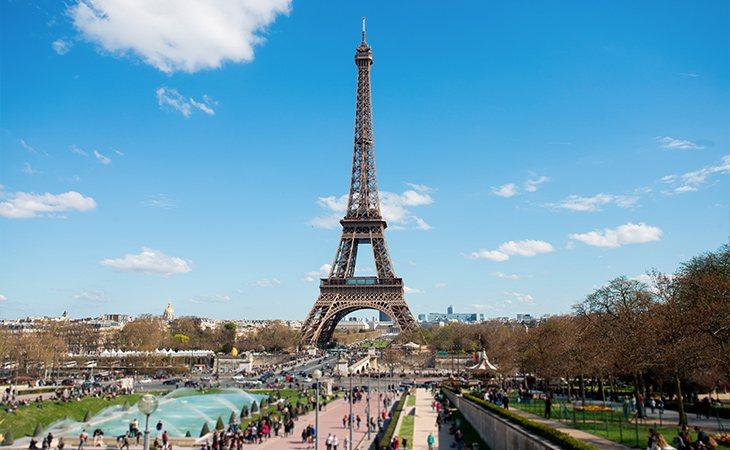 La Torre Eiffel es el monumento más fotografiado de Europa