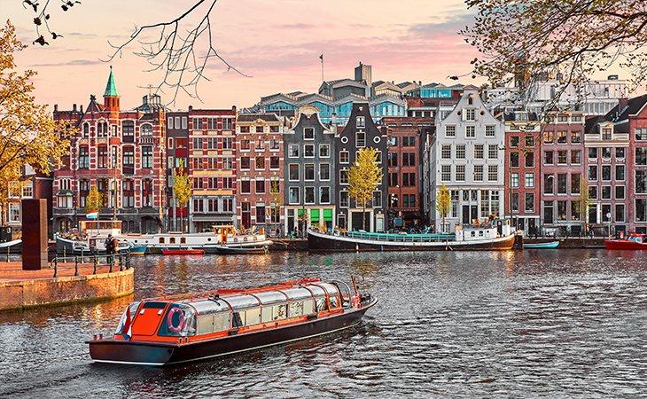 La capital de los Países Bajos está llena de historia de Europa