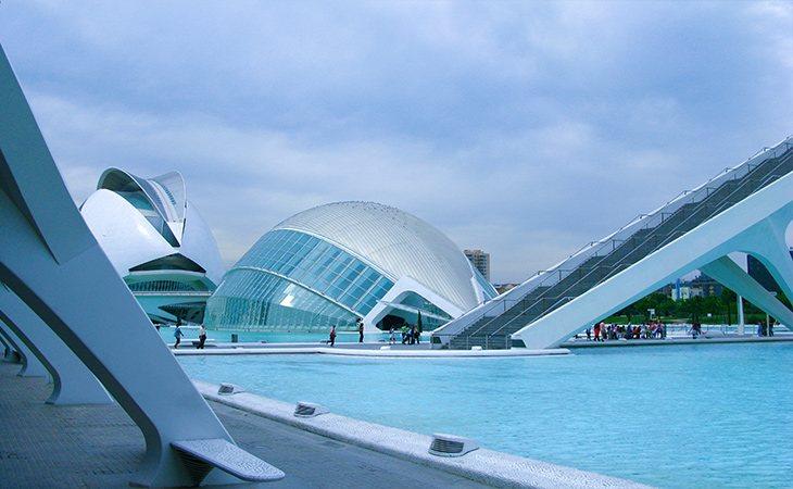 La Ciudad de las Artes y las Ciencias es uno de los lugares más visitados de Valencia