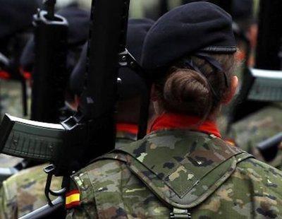 """El Ejército expulsa a una cabo víctima de violencia de género por """"trastorno psíquico"""""""