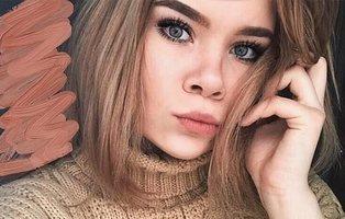 Una adolescente muere ahogada tras electrocutarse con su móvil en la ducha