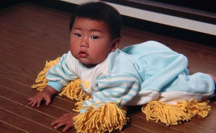 Traje-mopa para bebés