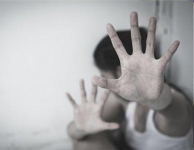 Detienen a una profesora de infantil por practicar sexo oral a un alumno de 3 años