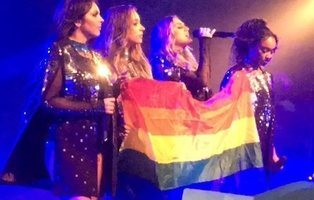 Little Mix luce la bandera LGTB en Dubai, donde la homosexualidad es ilegal