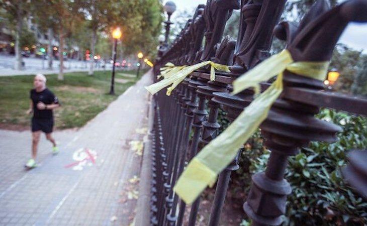 Los vecinos retiraron las cintas creyendo que eran lazos independentistas