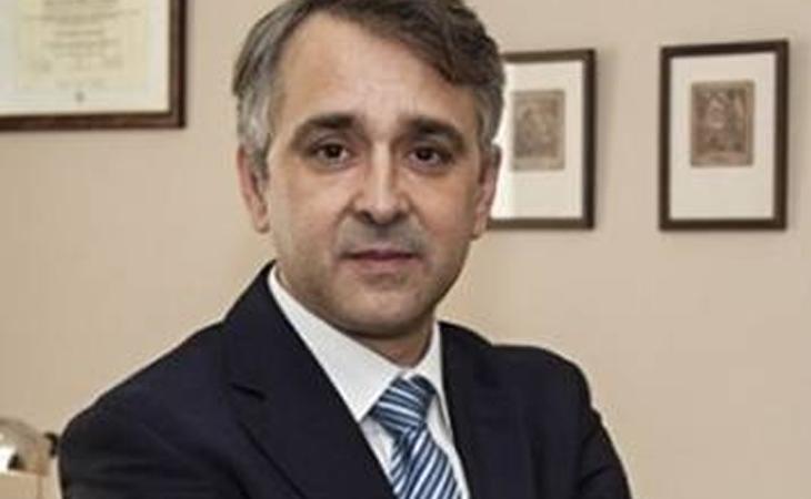 El asesor económico de VOX, Rubén Manso, defiende la derogación de la sanidad, pensiones y educación pública