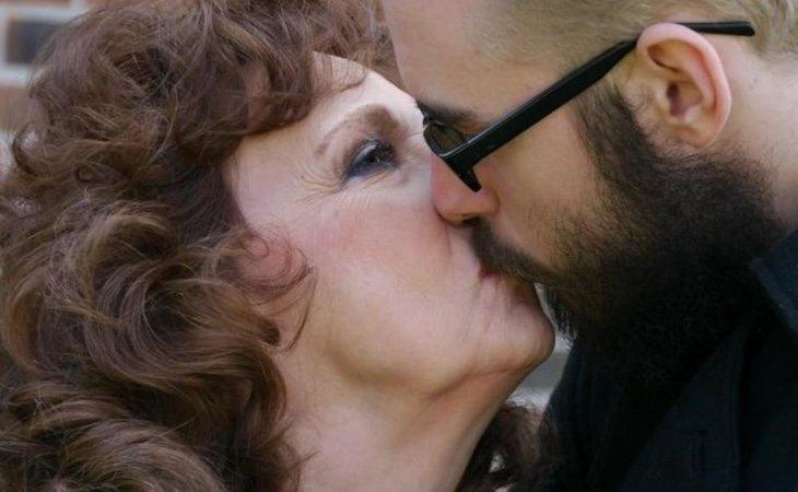 Almeda y Gary viven su amor a pesar de la diferencia de edad