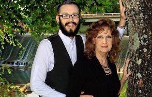 Ella tiene 72 años y él 19: el matrimonio youtuber que genera admiración y críticas