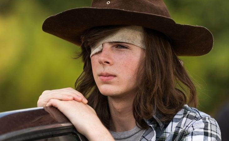 Carl Grimes murió tras ser mordido por un caminante en 'The Walking Dead'