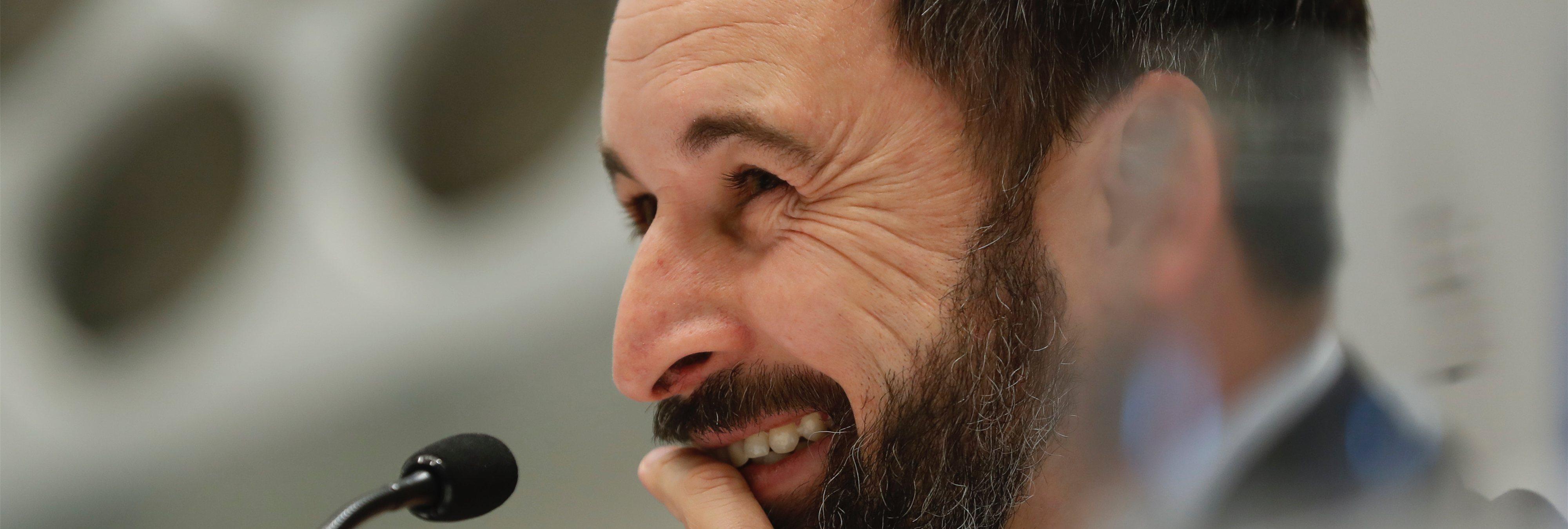 VOX quiere recuperar la mili pero Santiago Abascal pidió tres prórrogas para no hacerla