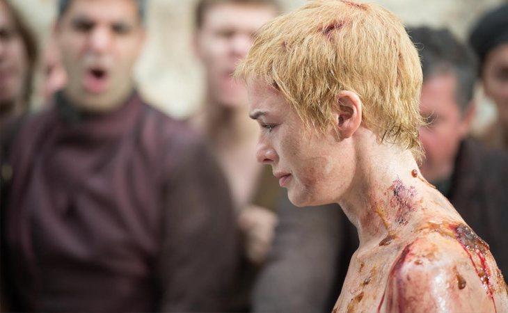 El paseo de la vergüenza de Cersei Lannister en la quinta temporada de 'Juego de tronos'