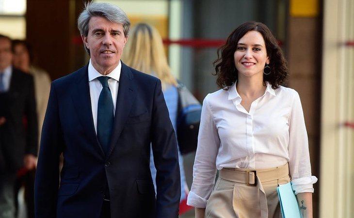 La candidata del PP, Isabel Díaz Ayuso, podría verse obligada a pactar un gobierno de coalición con VOX si los resultados del sondeos se consuman