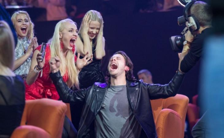 Victor Crone en el momento que gana el Eesti Laul
