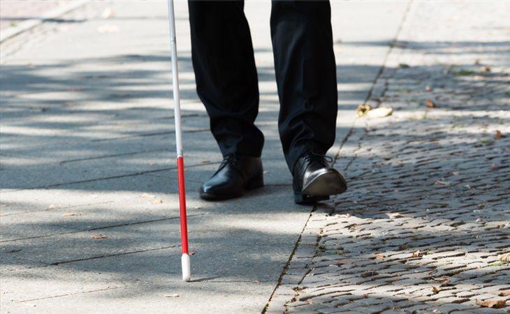 El hombre quedó ciego y sordo tras sufrir una meningitos fruto del estrés