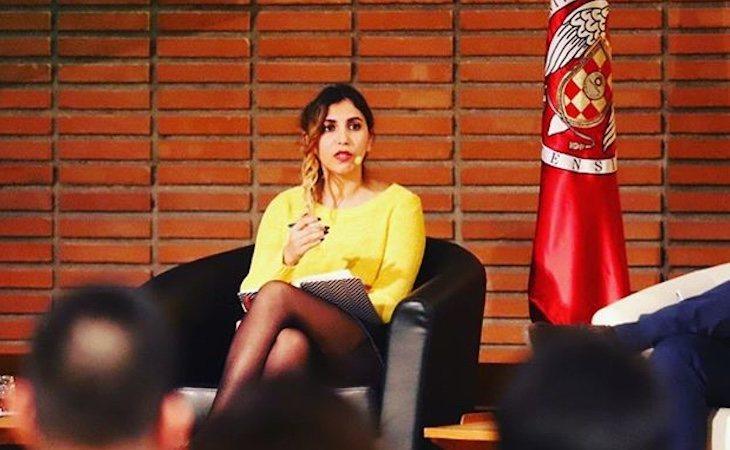 Dina Bousselham fue la mano derecha de Iglesias en el Parlamento Europeo
