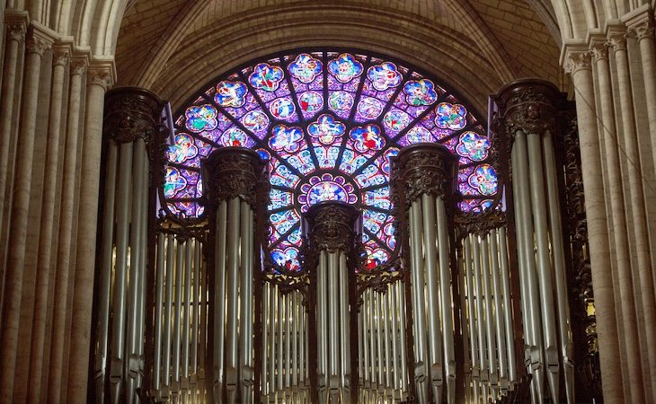 El gran órgano habría desaparecido, según señala el obispo Benoist de Sinety