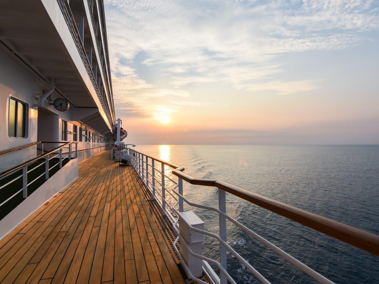 En libertad tras violar a una menor en un crucero por no tener residencia en España