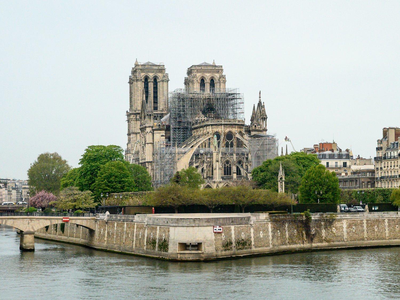 La reconstrucción de Notre Dame, a debate: ¿recuperarla o renovarla?