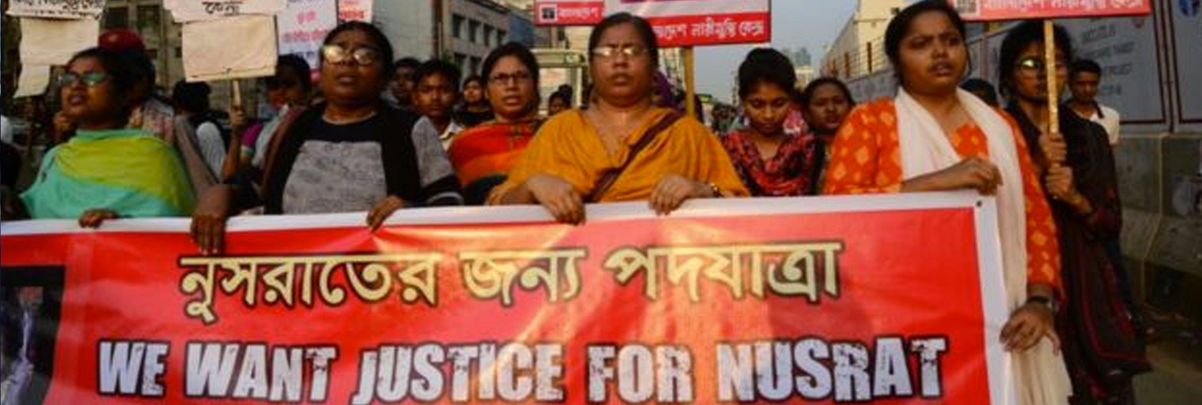 Queman viva a una joven en Bangladesh tras denunciar a su director por acoso sexual