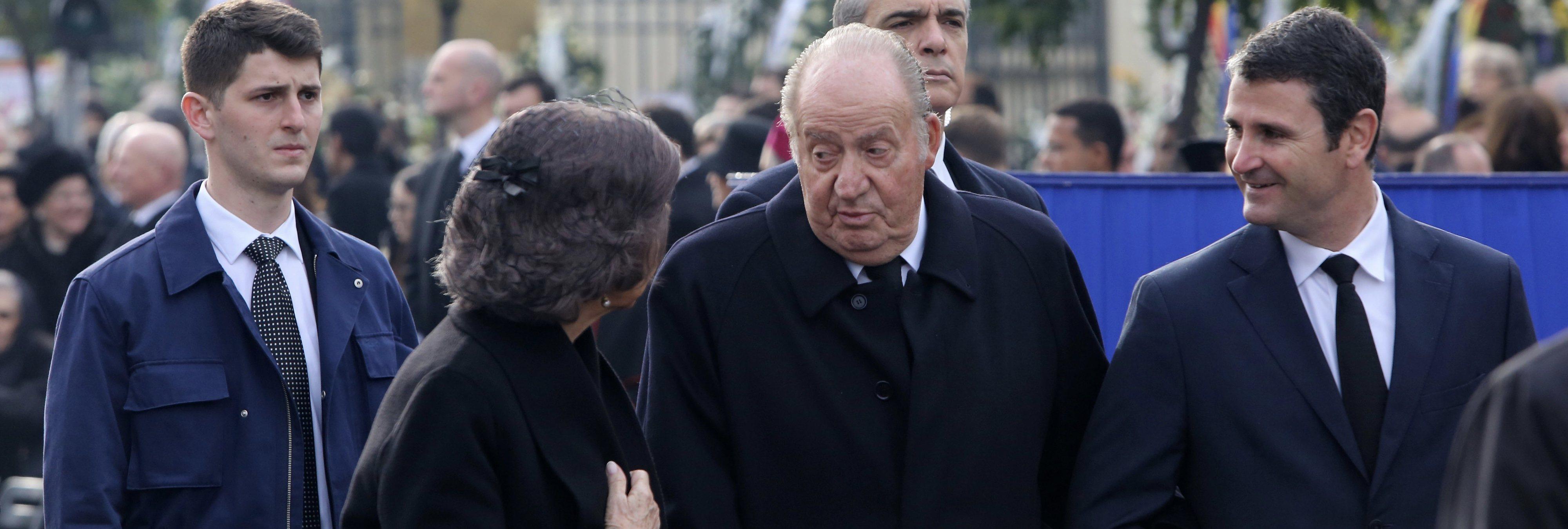 Una revista francesa desvela el 'Dossier Negro' de Juan Carlos: estas son todas sus amantes
