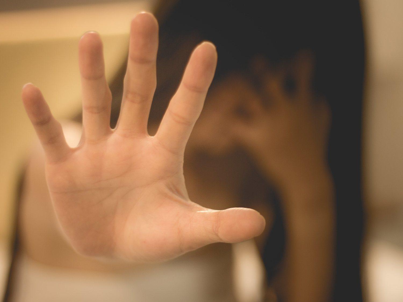 Un padre permite que sus tres hijos violen durante 10 años a sus hermanas menores