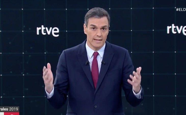 Pedro Sánchez subraya las medidas de su gobierno y recuerda la corrupción del PP