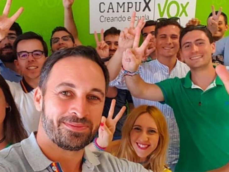 Manual para Dummies de VOX: así es su maquinaria de redes sociales para conseguir tu voto