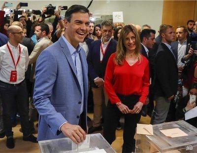 Pedro Sánchez gana en el primer sondeo a pie de urna y gobernaría con Podemos e independentistas