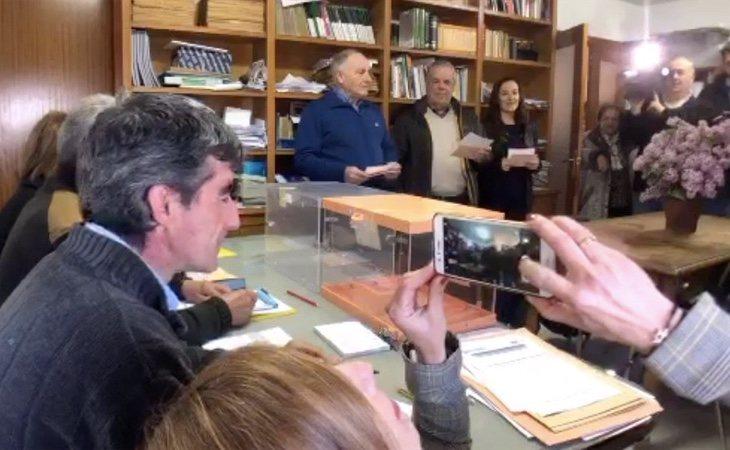 Ya se ha cerrado la primera mesa electoral: los seis vecinos de Villaroya (La Rioja) ha votado en solo 40 segundos