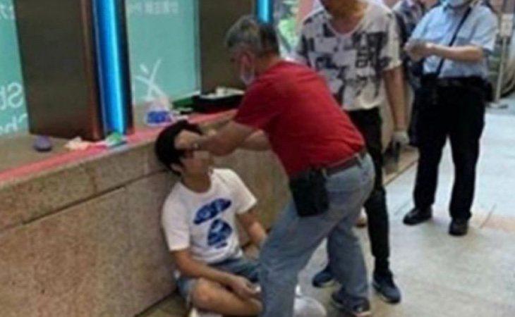 La imagen de la víctima de la agresión se hizo viral en las redes sociales