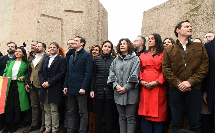 La foto de familia fue el mayor regalo que pudo esperar Pedro Sánchez