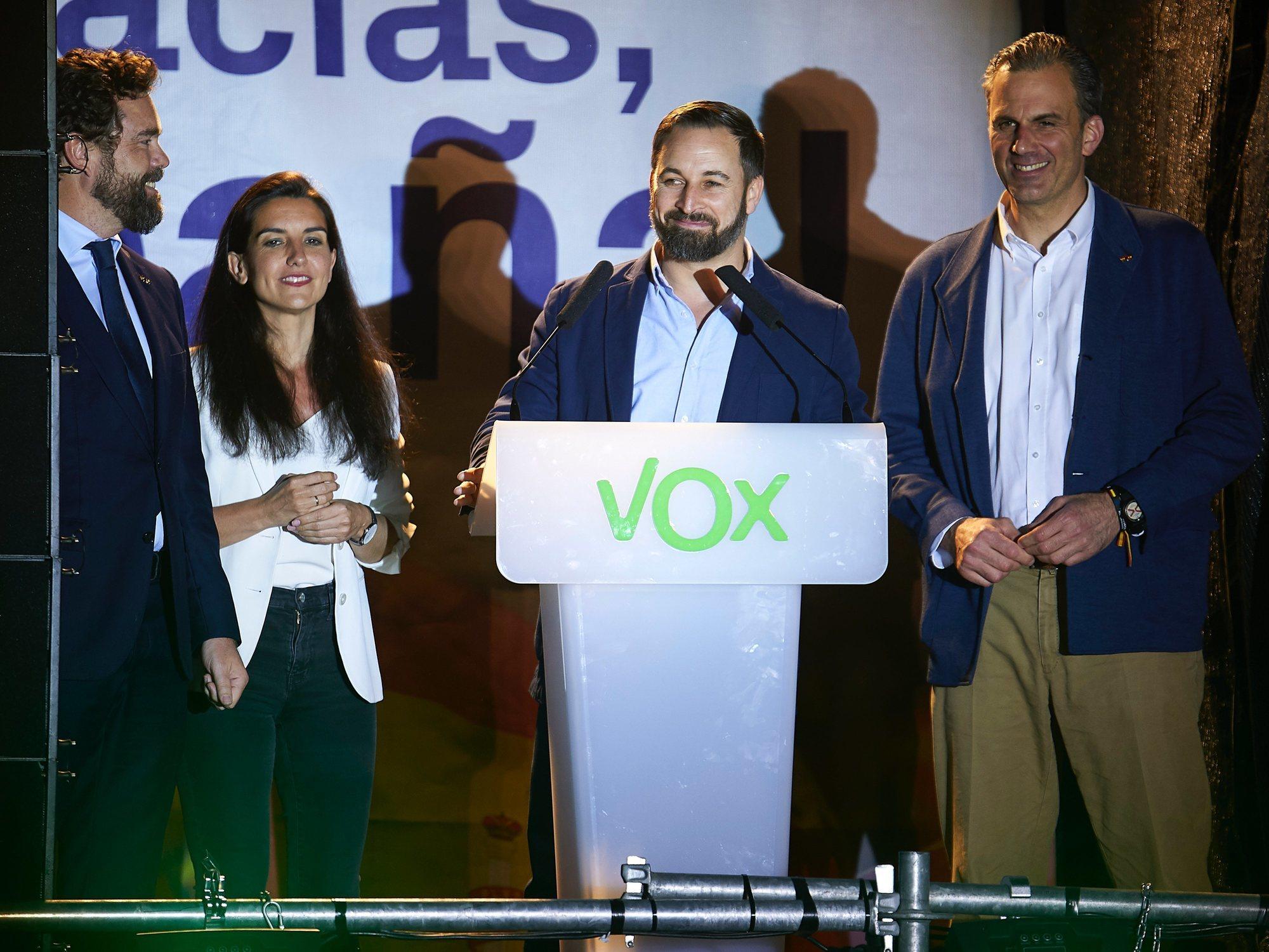 VOX no acepta sus 24 escaños y exige un nuevo recuento de todos los votos