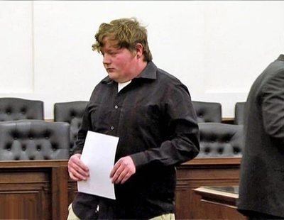 """En libertad un conductor de autobús escolar tras violar a una niña porque """"no reincidirá"""""""