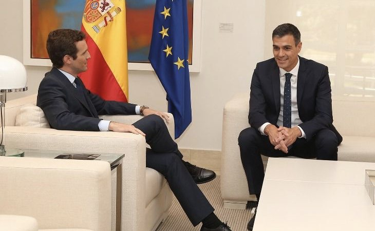Pablo Casado quiere adoptar un papel institucional en su oposición a Pedro Sánchez