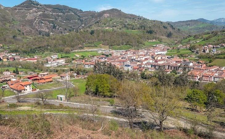 El gallinero y el hotel rural estaban en Cangas de Onís, Asturias