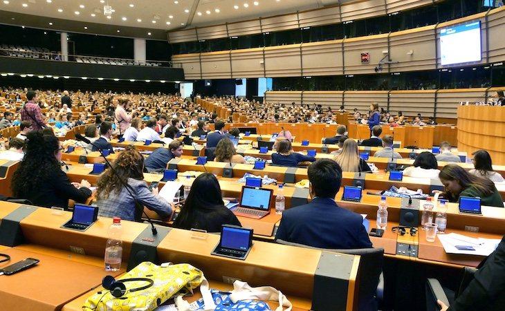 El Parlamento Europeo está compuesto por 750 diputados y el presidente