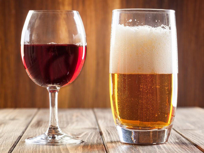 ¿Cerveza o vino? ¿Qué beben más los españoles?