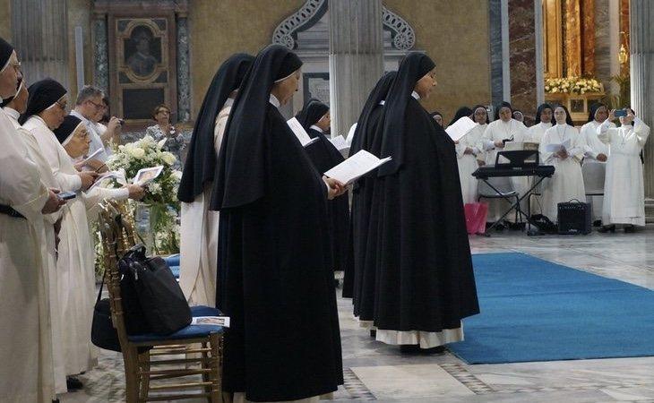 Las monjas comenzaron ofreciendo un curso de voto a las mujeres que se encuentran internadas en la residencia
