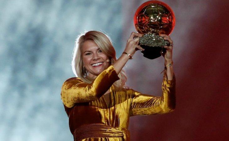 Ada Hegerberg recibió el balón de oro femenino