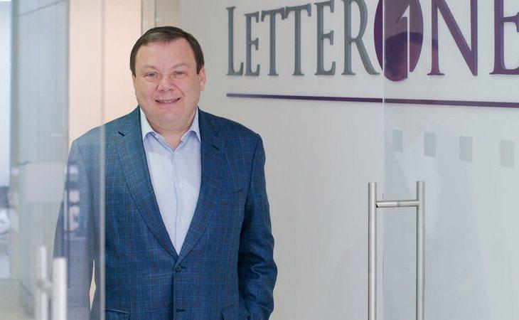 Mikhail Fridman ha conseguido refinanciar la deuda tras un acuerdo con el Banco Santander
