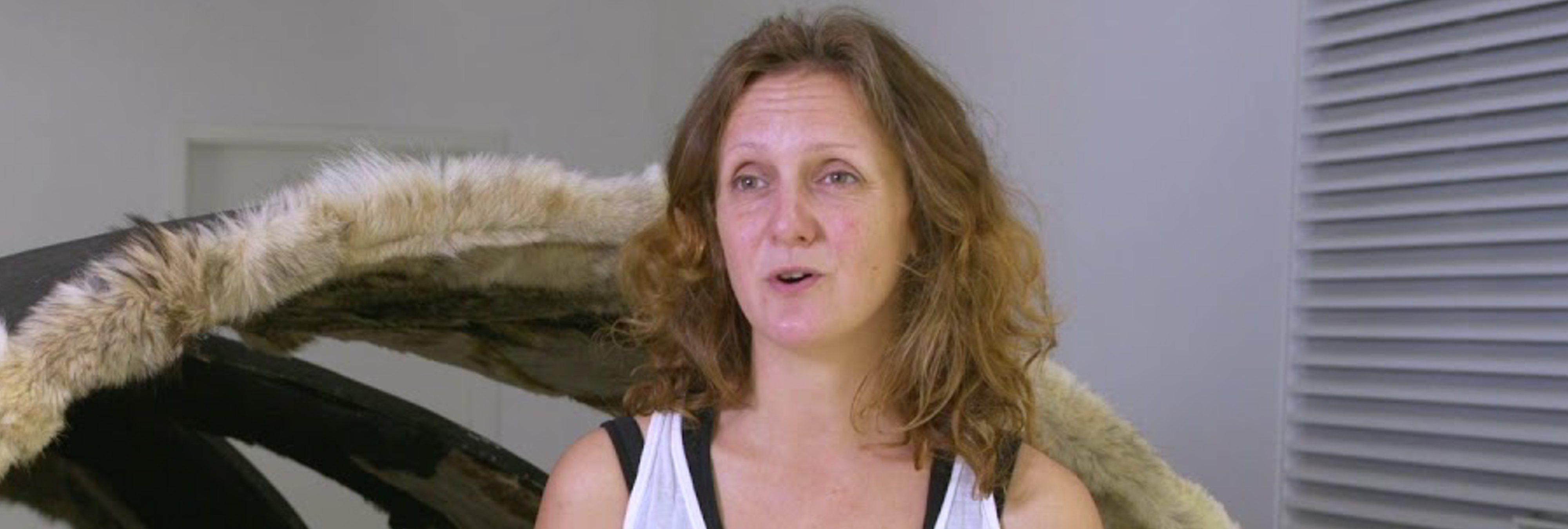 ¿Qué fue de Maja Smrekar, la mujer inseminada por el perro al que amamantó tres meses?
