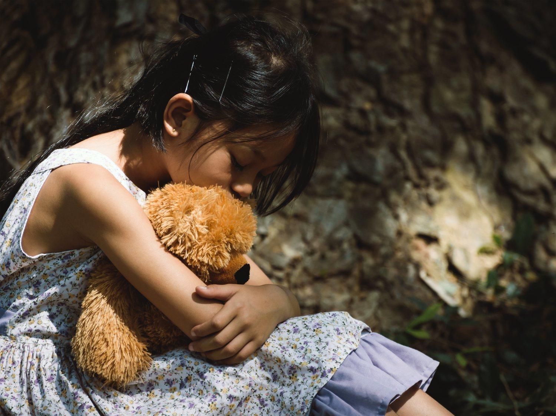 Una menor de edad intenta suicidarse tras varios años siendo prostituida por su tío