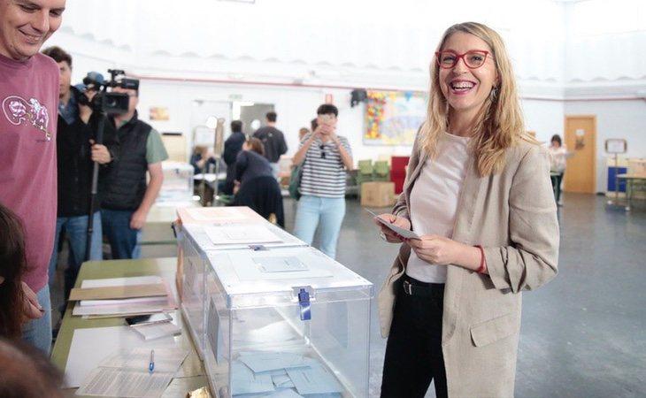 La candidata de Unidas Podemos para Europa, Mª Eugenia Rodríguez Palop, vota en Madrid